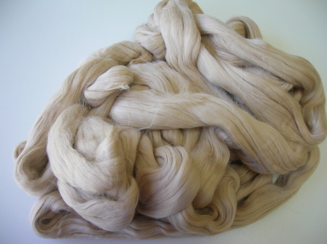 Combed sliver - optim merino fibre blended with camel