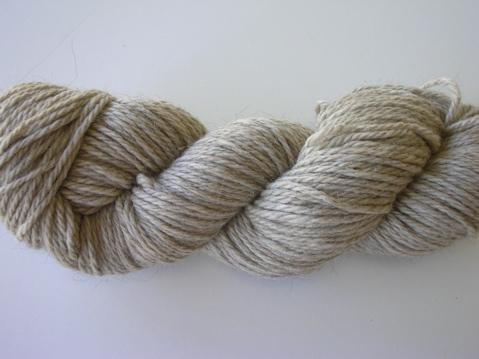 The Knittery posmerino yarn -natural