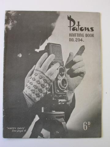 Patons vintage knitting pattern book - no 204