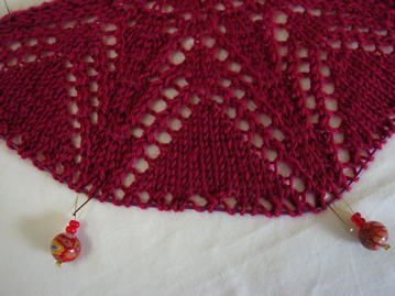 Knitted shawl beginning
