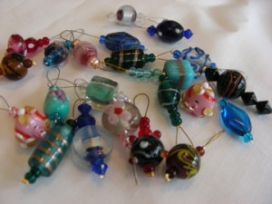 Medium stitch markers for 'Lucky Dip'