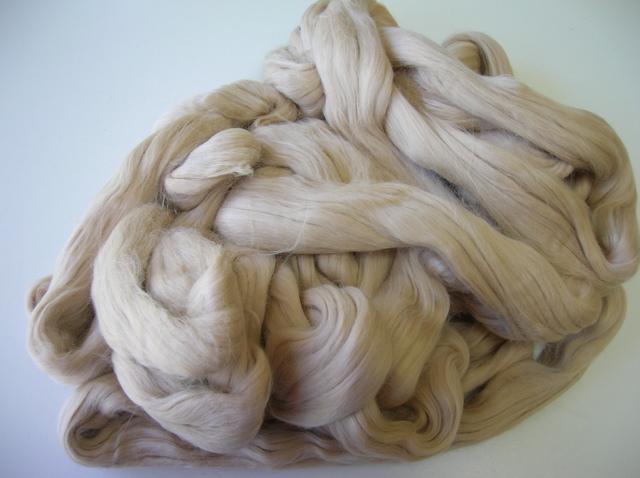 Combed sliver - optim merino fibre blended with camel