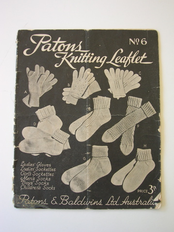 Patons vintage knitting pattern book - no 6 - socks and gloves