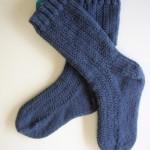 DK (8ply) toe-up socks